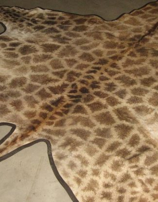 Giraffe Flatskin Rug